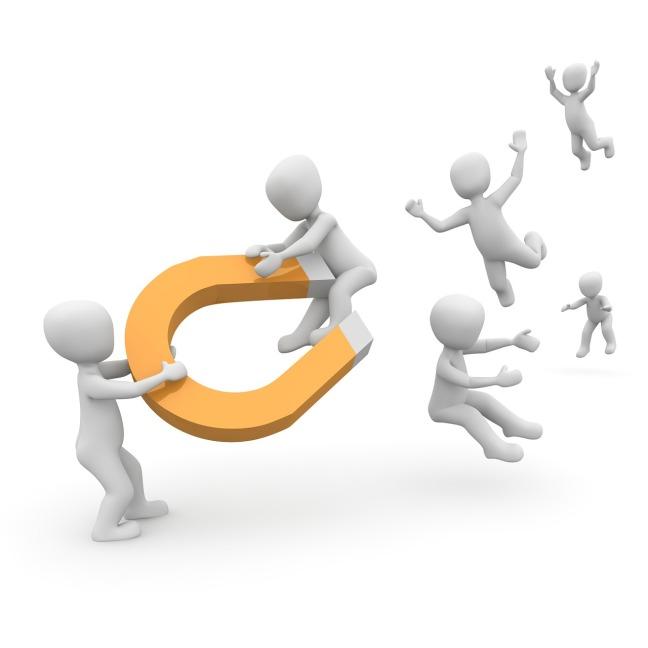 customer-magnet-1019871_1280